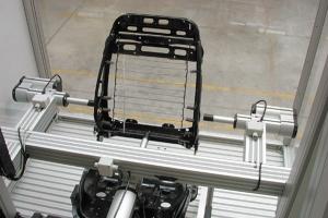 Autositz-Pruefer1